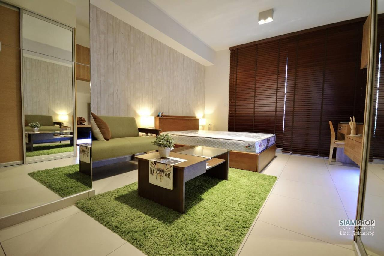 Siam Prop Agency's The Lofts Ekamai, Nice  studio for rent very close to BTS 1