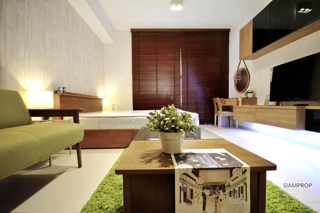 Siam Prop Agency's The Lofts Ekamai, Nice  studio for rent very close to BTS 2