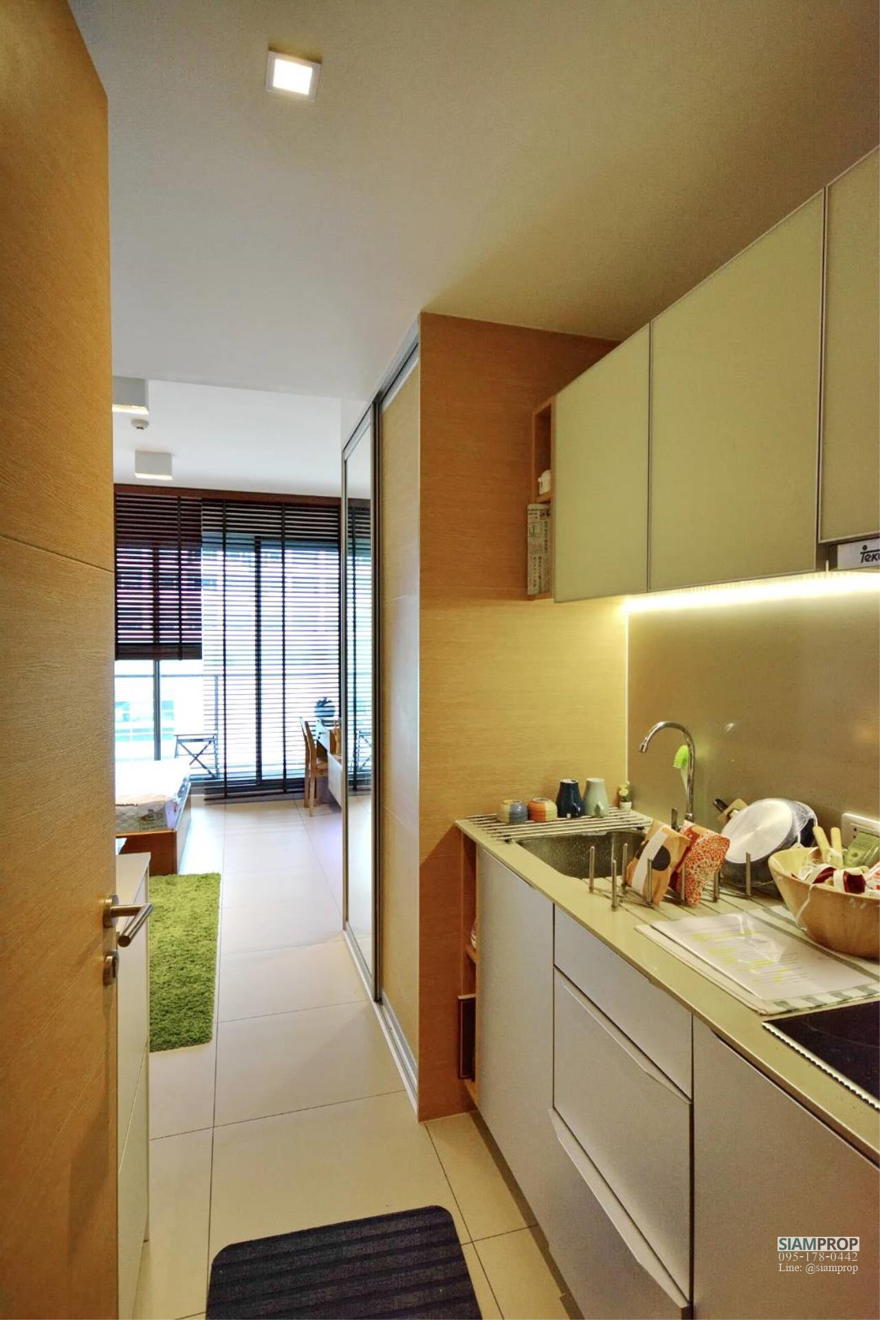 Siam Prop Agency's The Lofts Ekamai, Nice  studio for rent very close to BTS 4