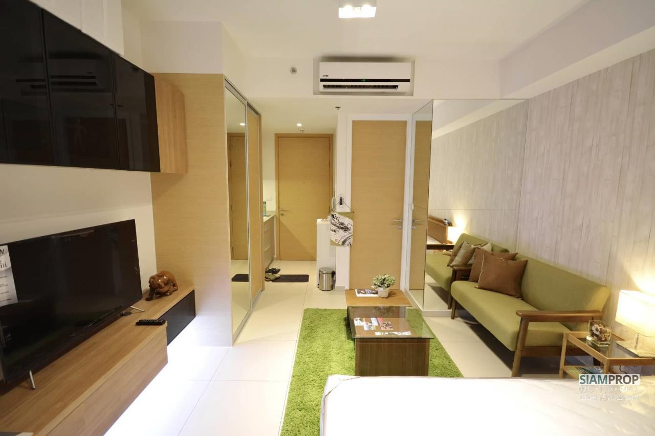 Siam Prop Agency's The Lofts Ekamai, Nice  studio for rent very close to BTS 6