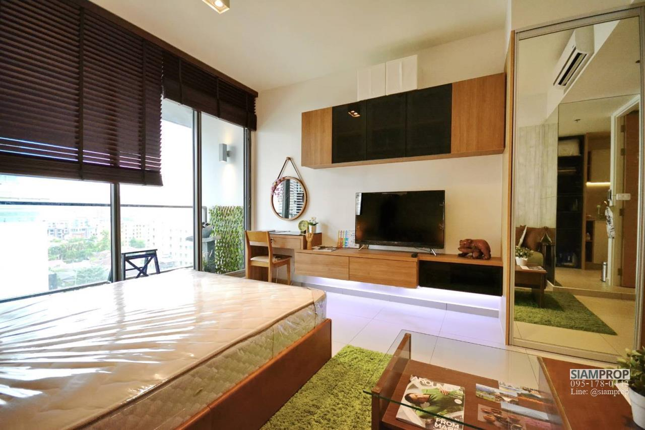Siam Prop Agency's The Lofts Ekamai, Nice  studio for rent very close to BTS 7