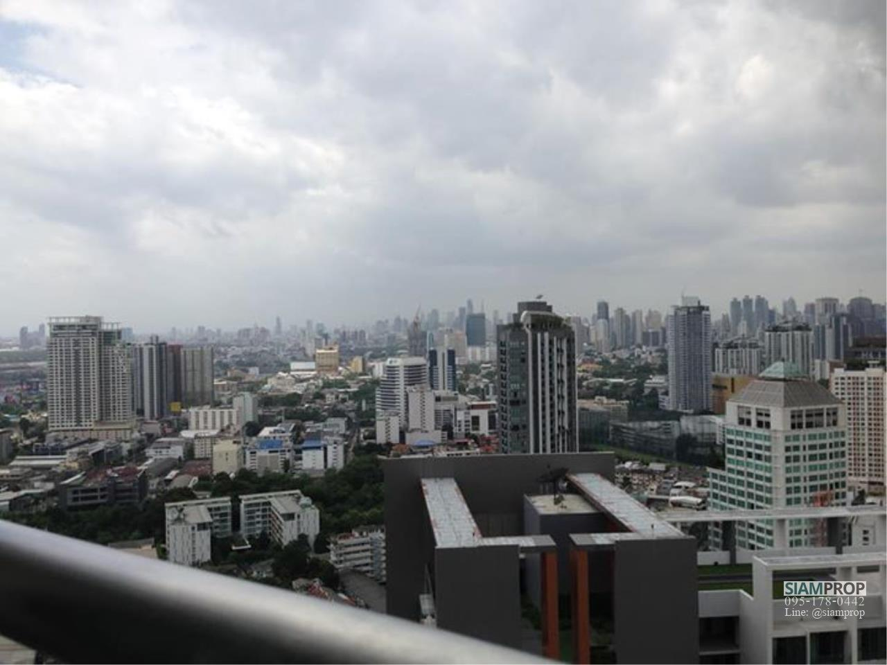 Siam Prop Agency's Skywalk Condominium Prakanong 7