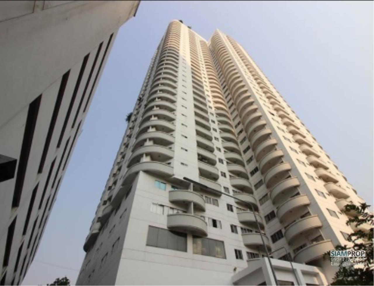 Siam Prop Agency's Wittayu Complex - Pet friendly condo for rent 1