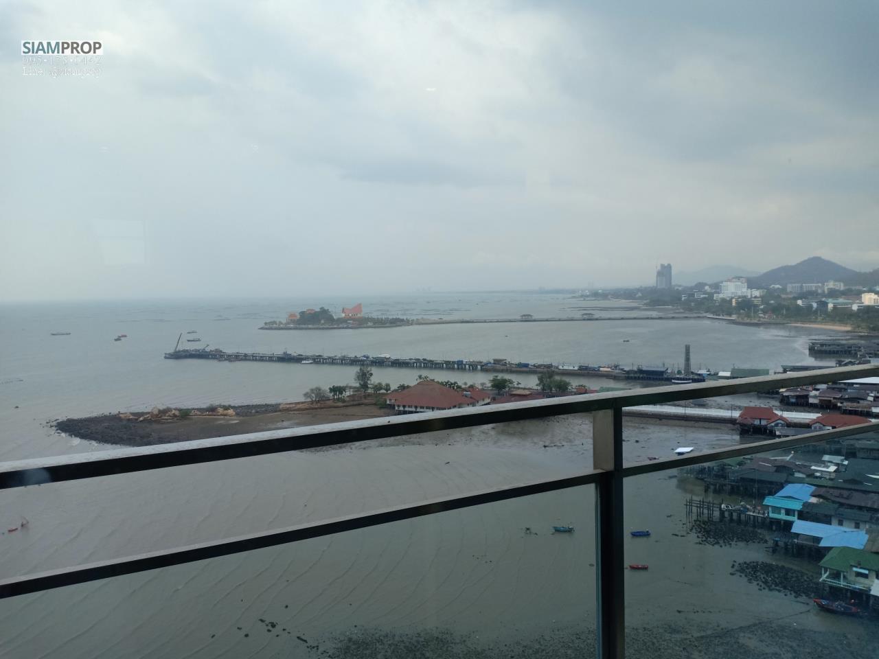 Siam Prop Agency's Marina Bayfront Sriracha  10