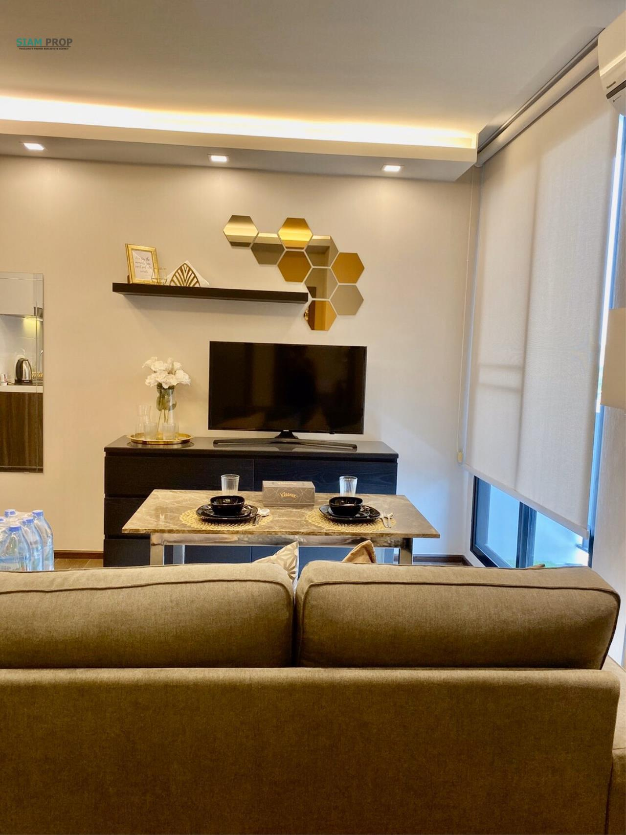 Siam Prop Agency's for rent at The Remarkable, Soi Soonvijai 2 4