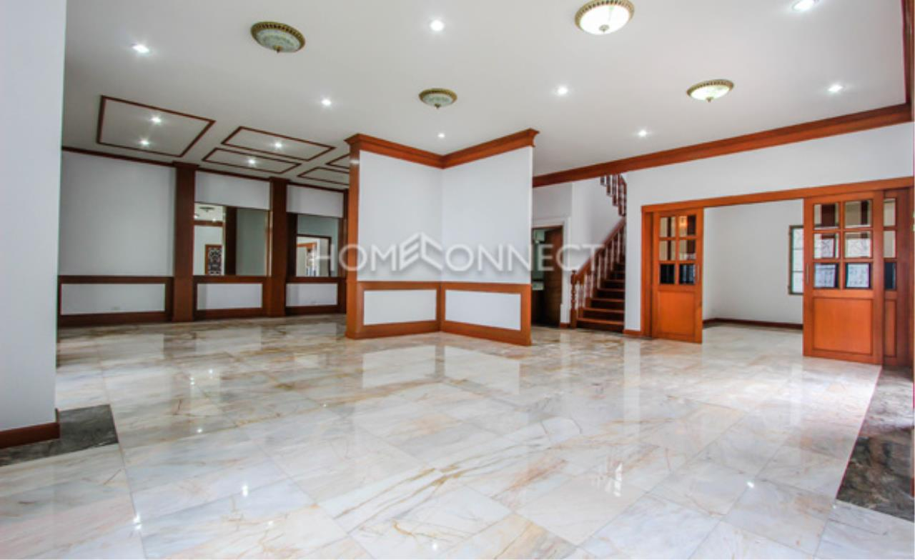 Home Connect Thailand Agency's Sukhumvit Villa ( Owner Staying ) 9
