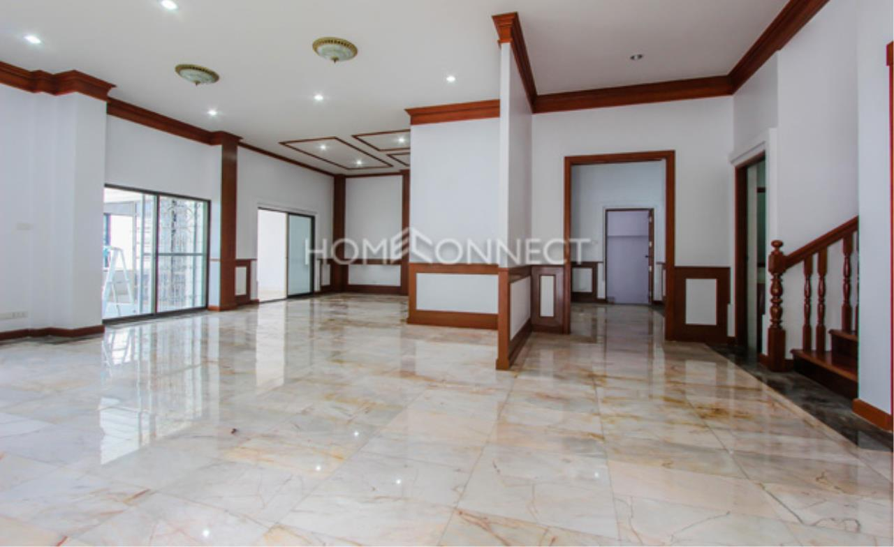 Home Connect Thailand Agency's Sukhumvit Villa ( Owner Staying ) 10