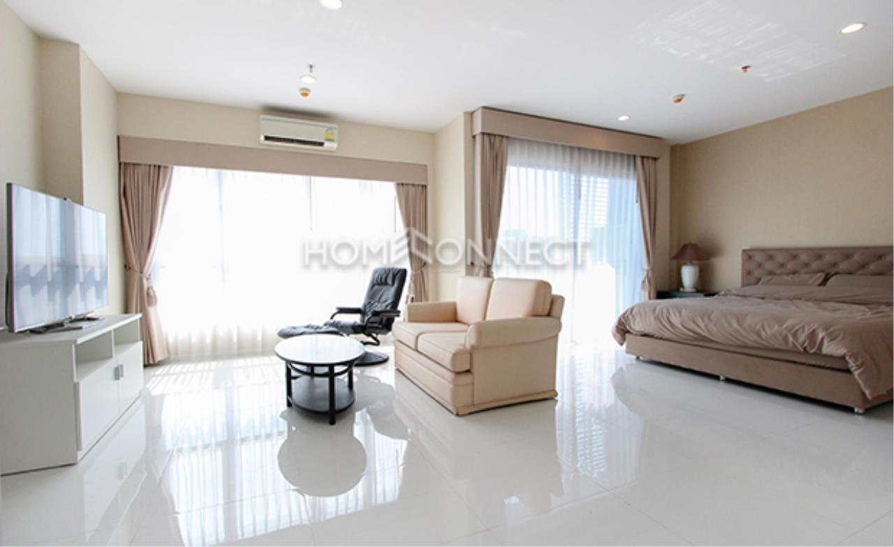 Home Connect Thailand Agency's Hive Taksin Condominium for Rent 4