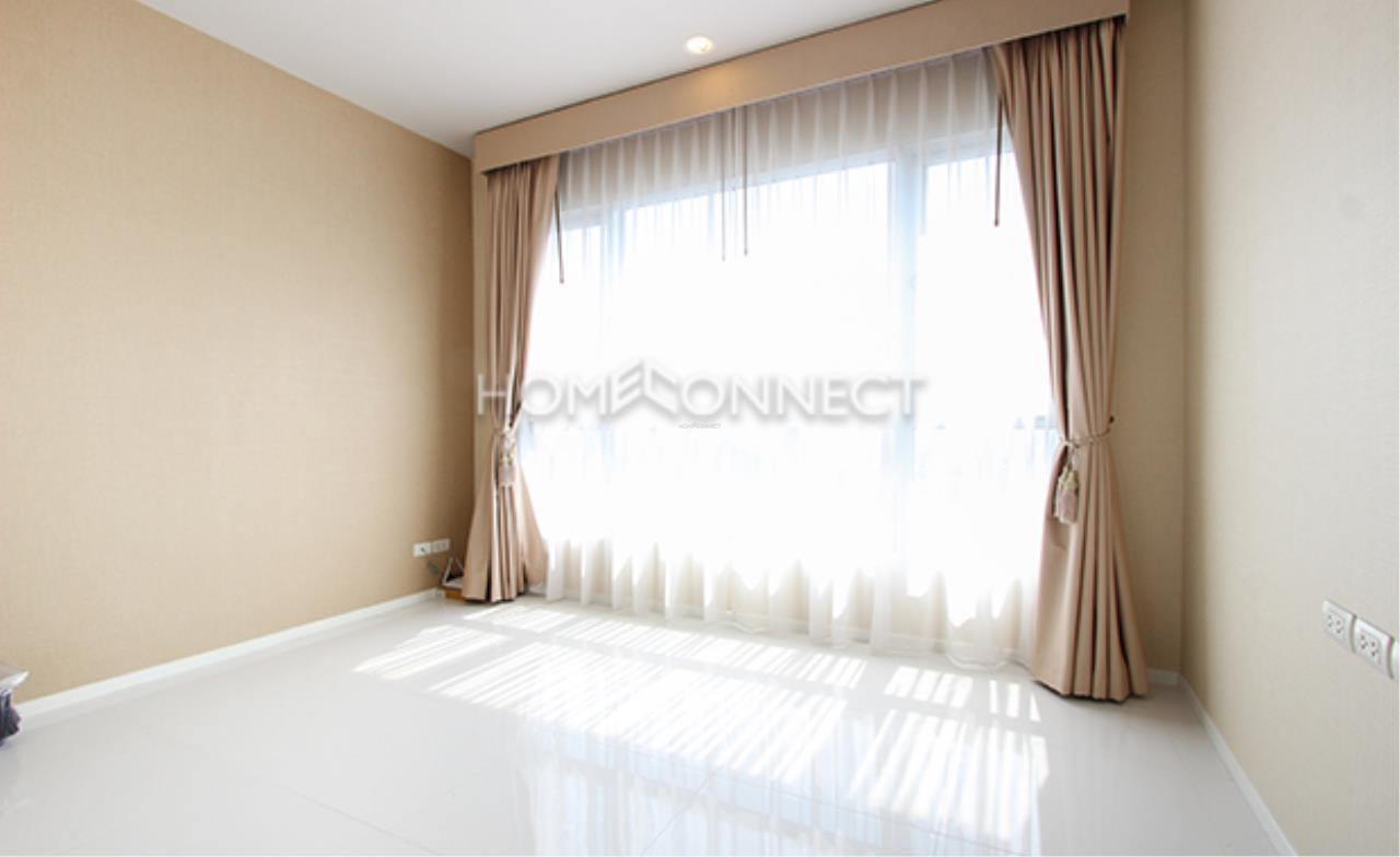 Home Connect Thailand Agency's Hive Taksin Condominium for Rent 8