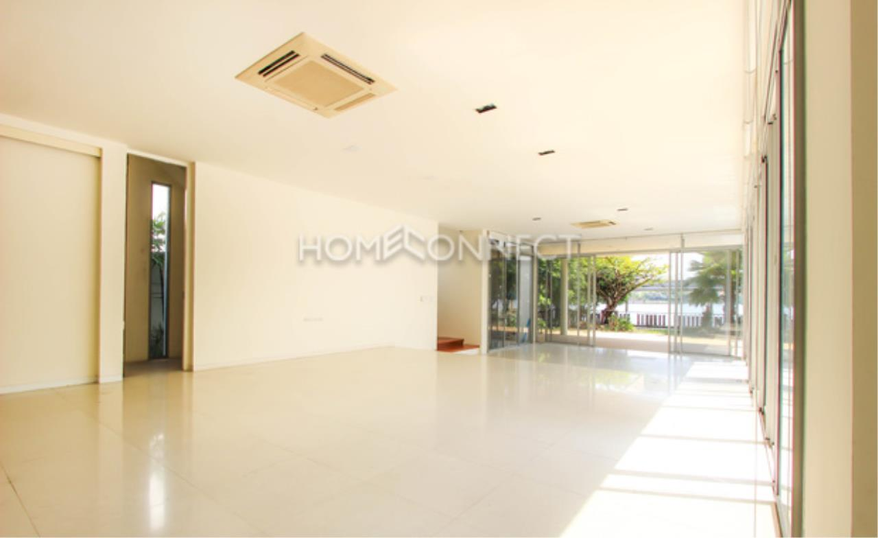 Home Connect Thailand Agency's Hyde Park Vibhavadi 10