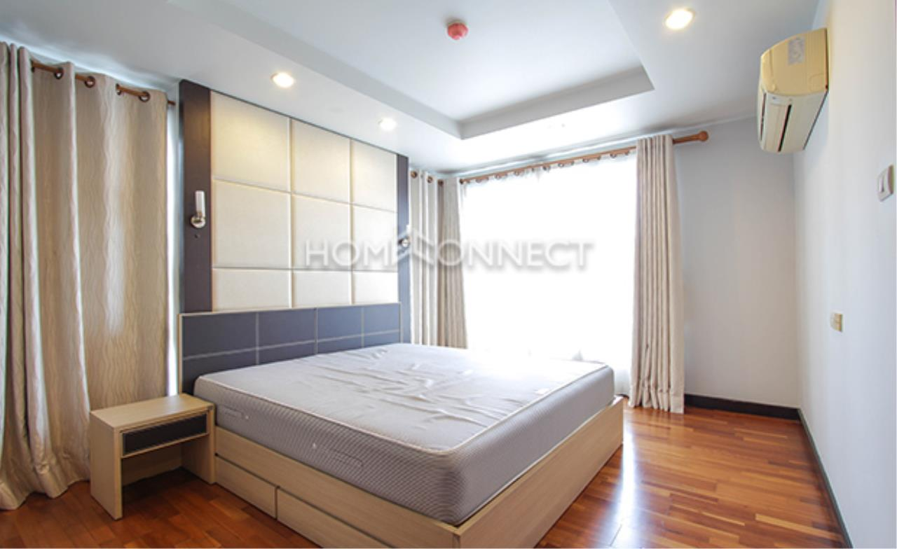 Home Connect Thailand Agency's Avenue 61 Condominium for Rent 8
