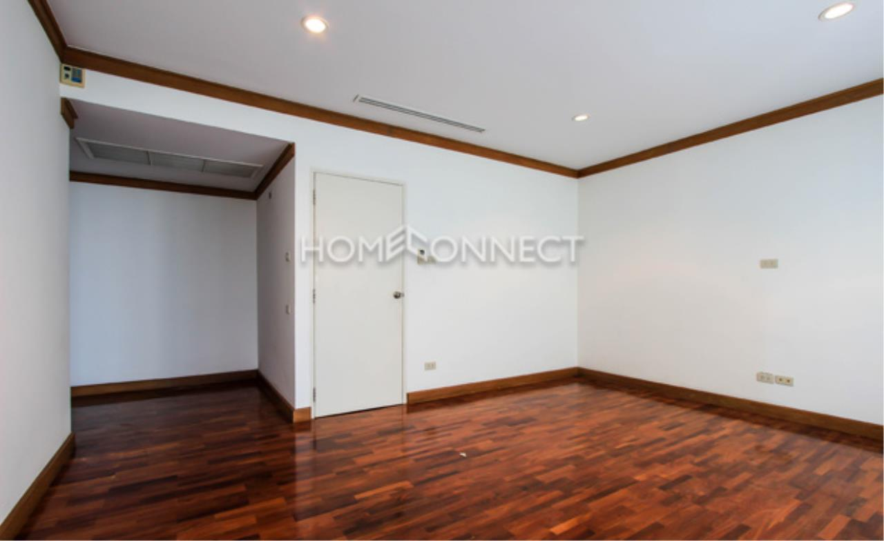 Home Connect Thailand Agency's Raj Mansion Condominium for Rent 6