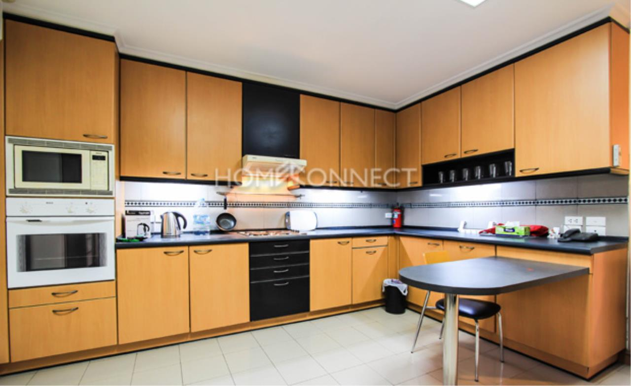 Home Connect Thailand Agency's Raj Mansion Condominium for Rent 4