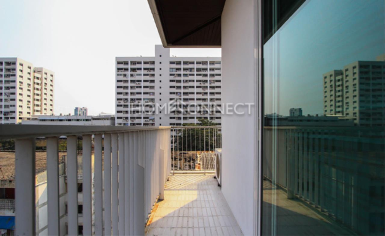 Home Connect Thailand Agency's GP Grande Tower Condominium for Rent 2