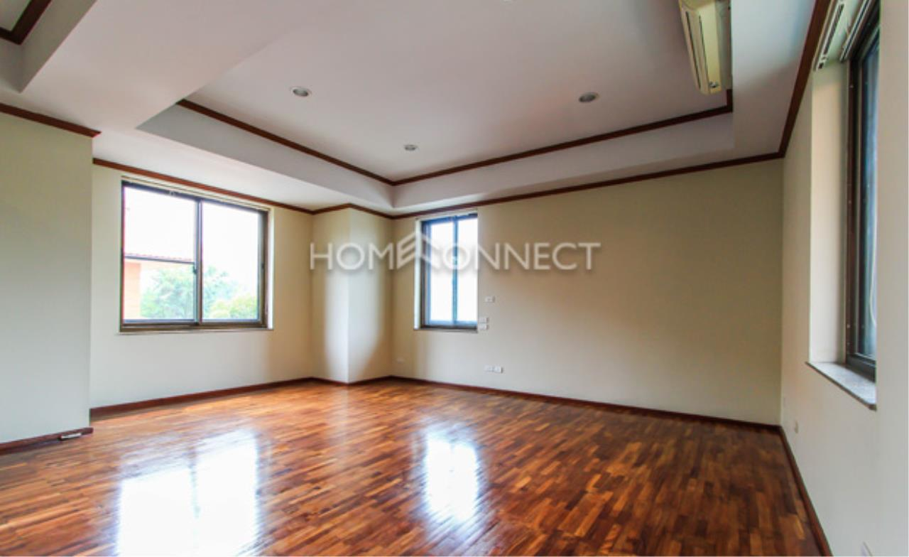 Home Connect Thailand Agency's Tropical Langsuan Condominium for Rent 4