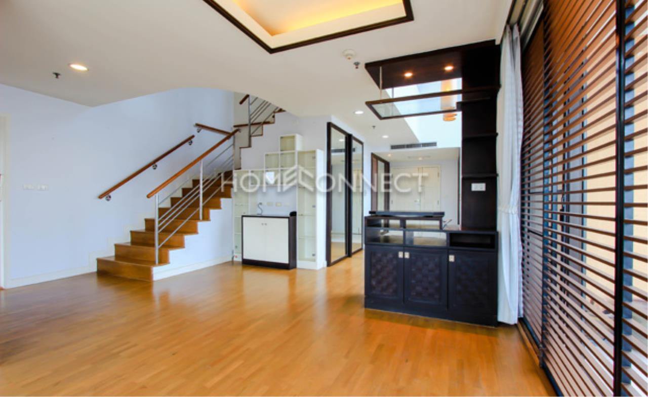 Home Connect Thailand Agency's Baan Navarang Condominium for Rent 1