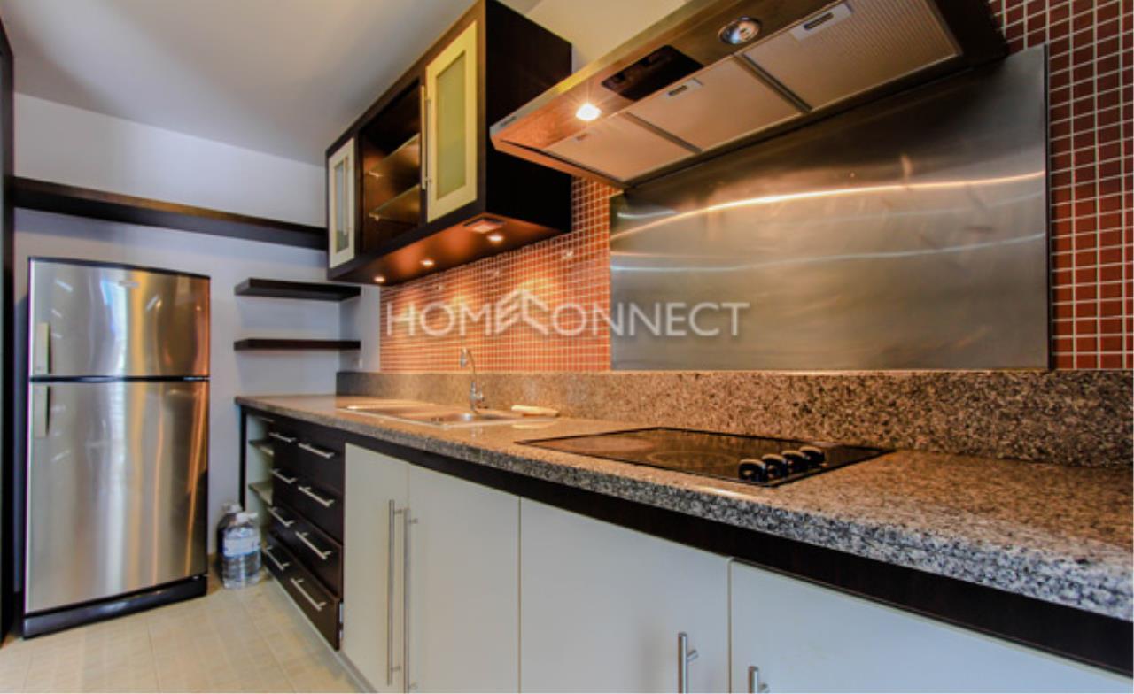 Home Connect Thailand Agency's Avenue 61 Condominium for Rent 6