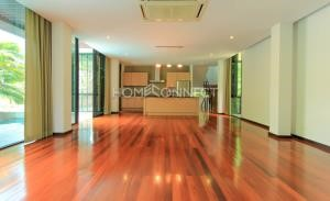 House in Compound for Rent in Ekamai area