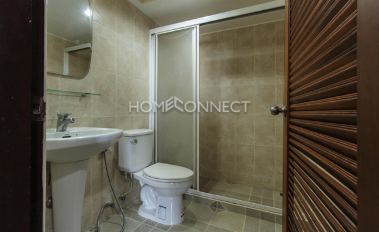 Home Connect Thailand Agency's Royal Castle Condominium for Rent 3