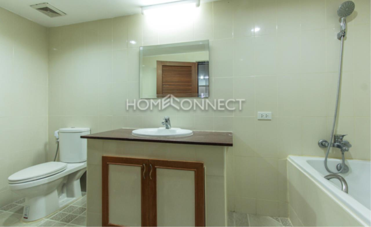 Home Connect Thailand Agency's Royal Castle Condominium for Rent 4