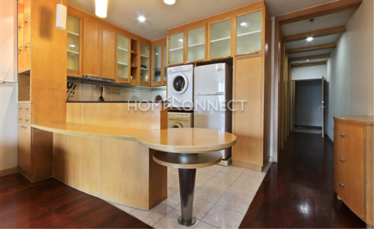 Home Connect Thailand Agency's President Place Condo for Rent 3