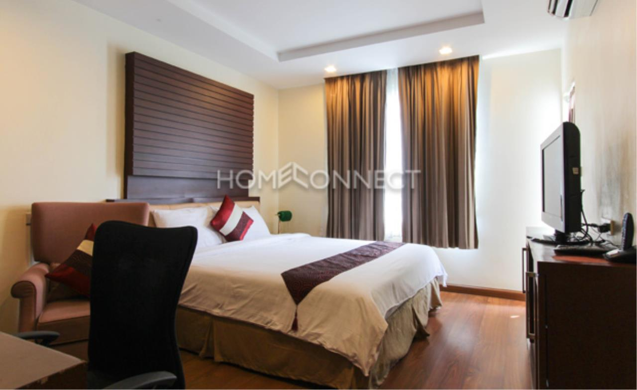 Home Connect Thailand Agency's I Check Inn Ploenchit 1