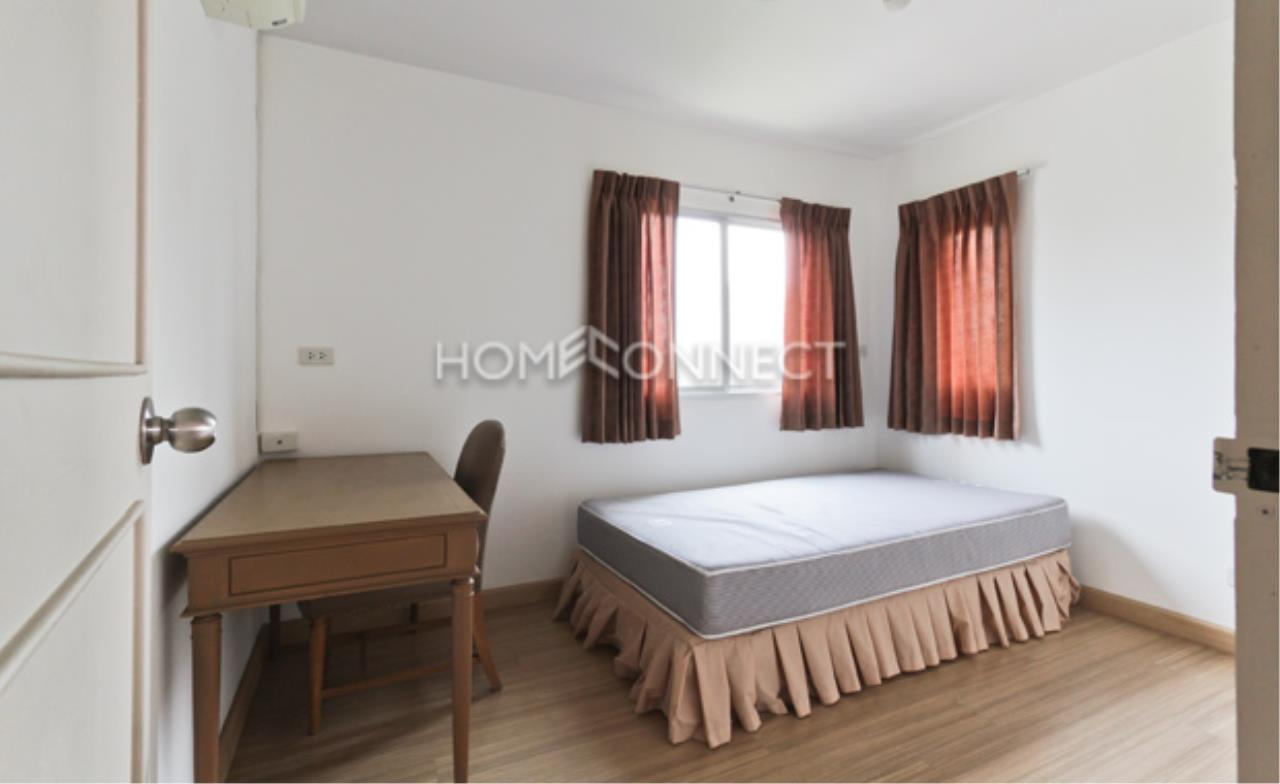 Home Connect Thailand Agency's P. W. T Mansion Apartment for Rent 9