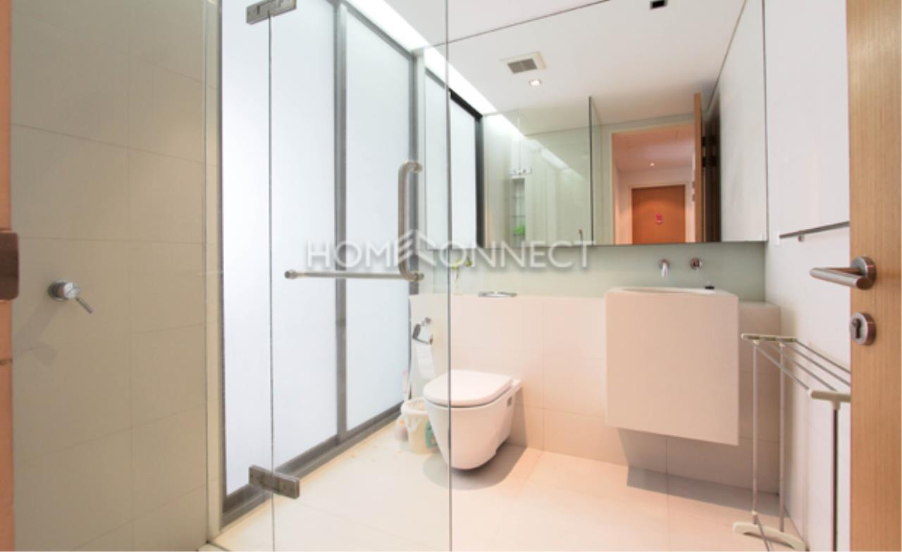 Home Connect Thailand Agency's The Domus Sukhumvit 16 Condominium for Rent 2