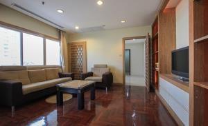33 Tower Condominium for Rent