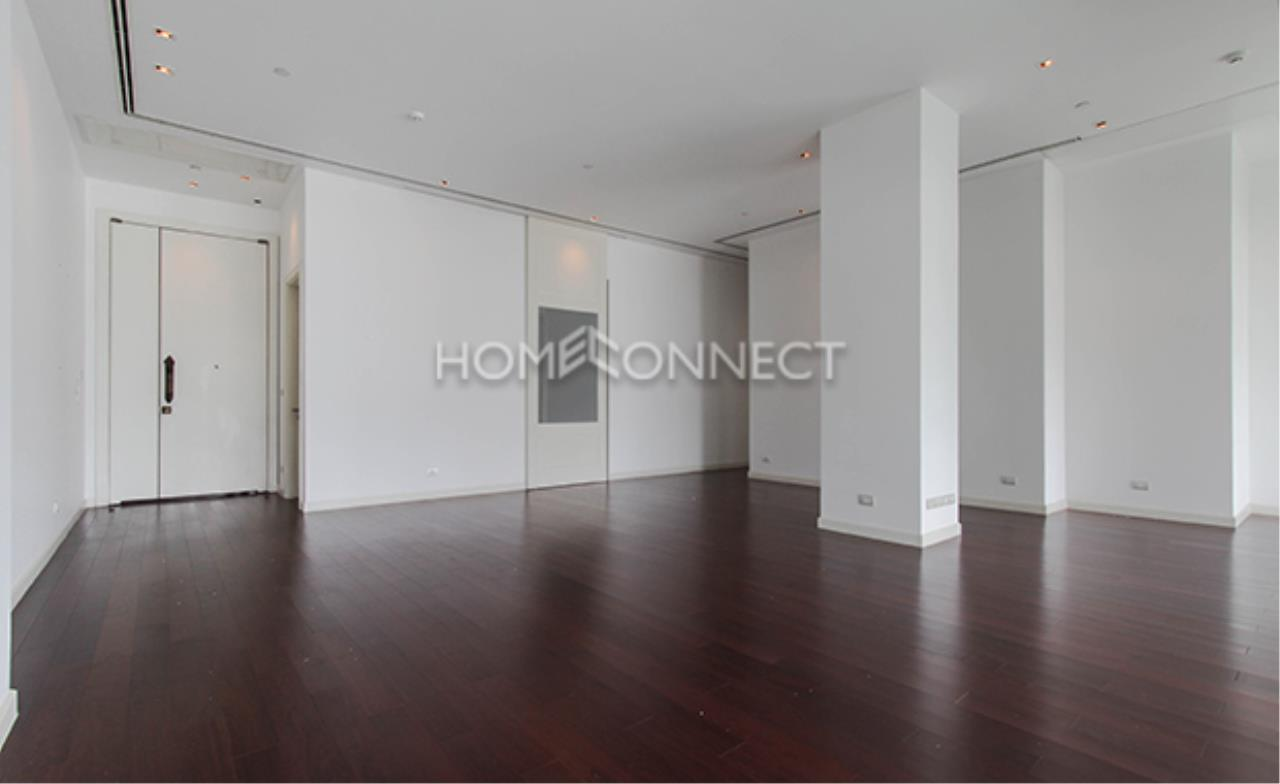 Home Connect Thailand Agency's Le Raffine Sukhumvit 39 Condominium for Rent 9
