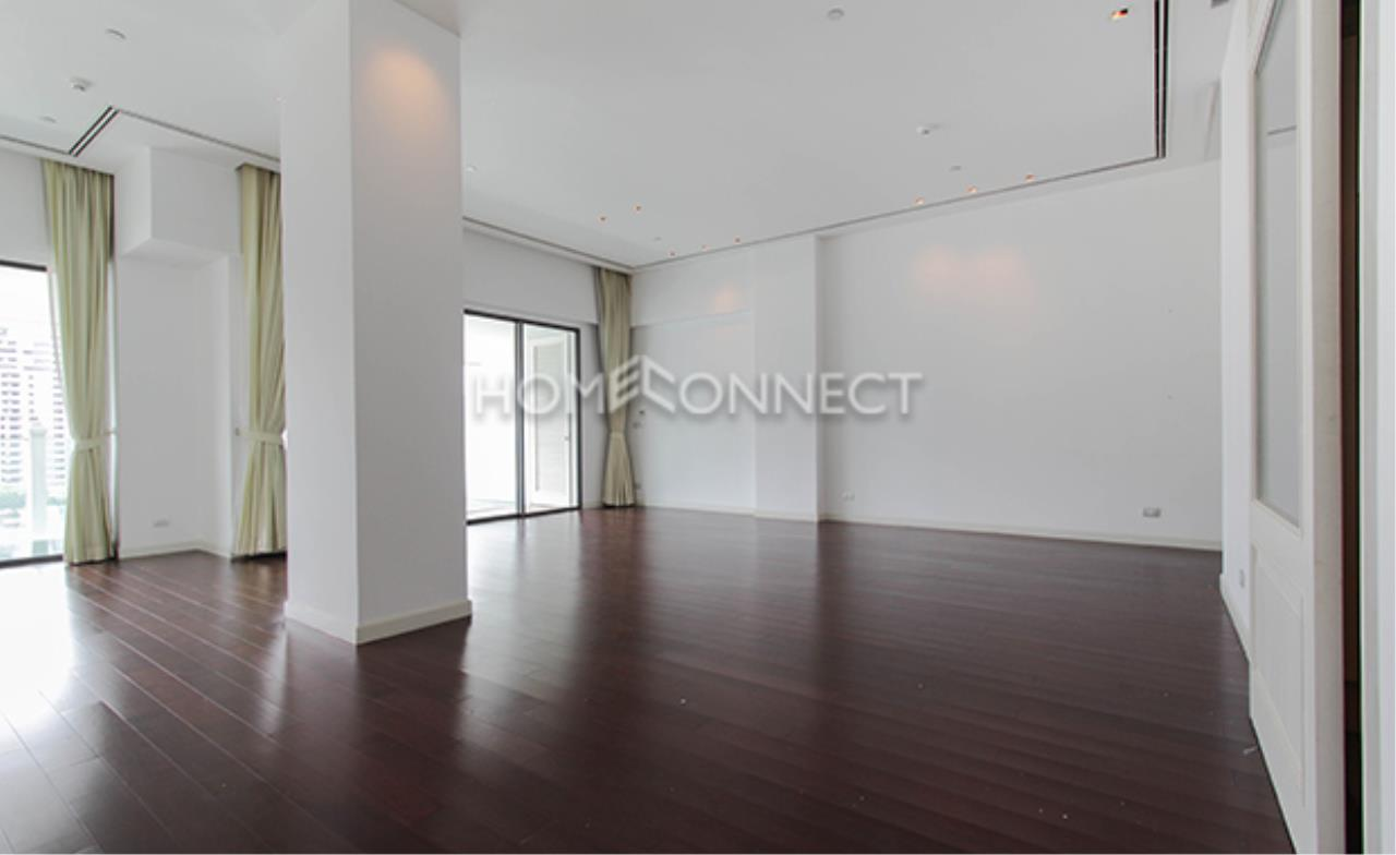 Home Connect Thailand Agency's Le Raffine Sukhumvit 39 Condominium for Rent 10