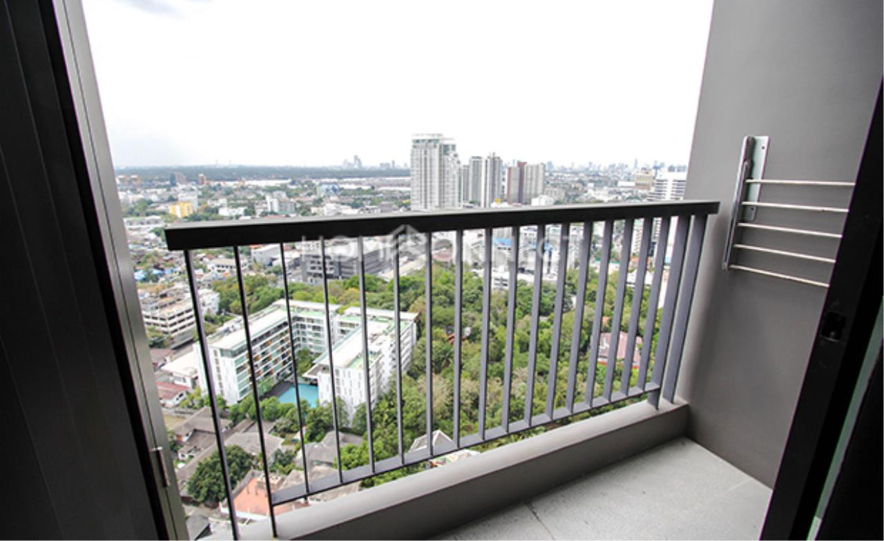 Home Connect Thailand Agency's Rhythm Sukhumvit 44/1 Condominium for Rent 2