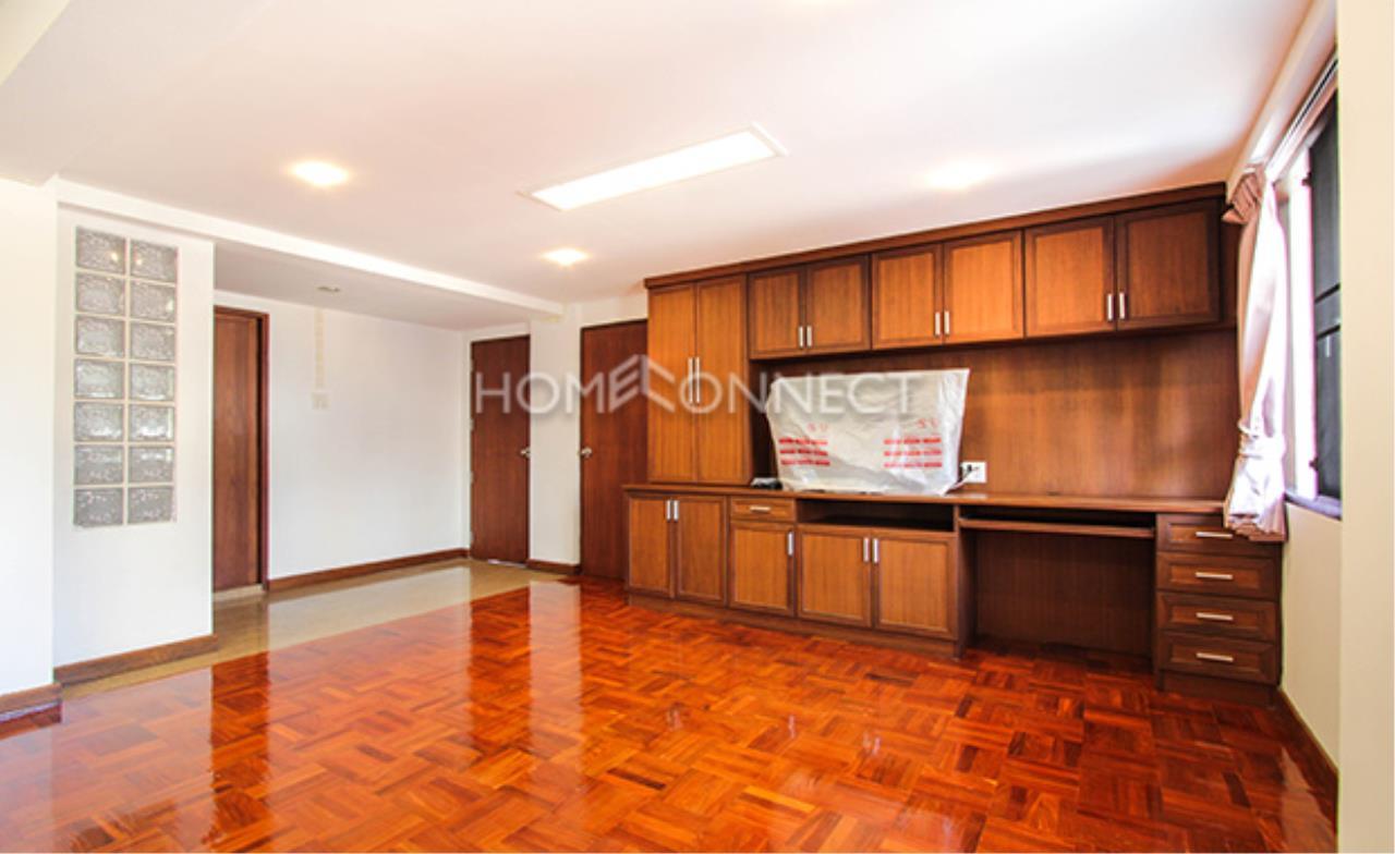 Home Connect Thailand Agency's G.S Yoolong Soi Tonson Condominium for Rent 1