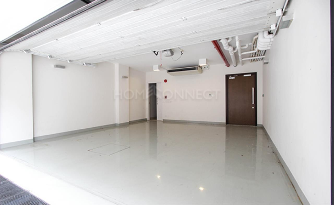 Home Connect Thailand Agency's Baan Lux Sathon Townhouse For Sale/Rent 2