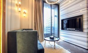 The Esse Sukhumvit 36 Condominium for Rent