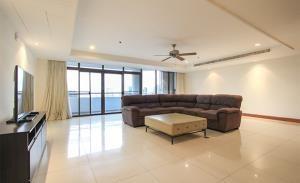 Kallista Mansion Condominium for Rent