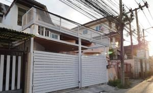 Townhouse for Rent in Soi Pridi Banomyong 14