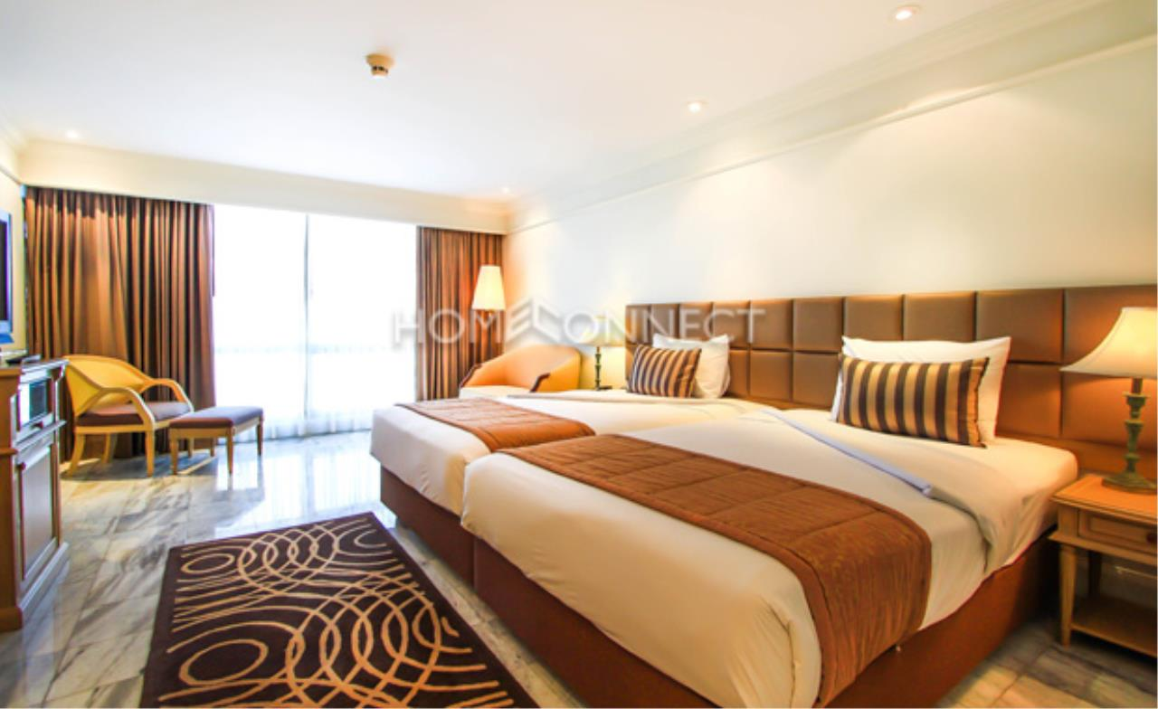 Home Connect Thailand Agency's Queen's Park Tower Condominium for Rent 6