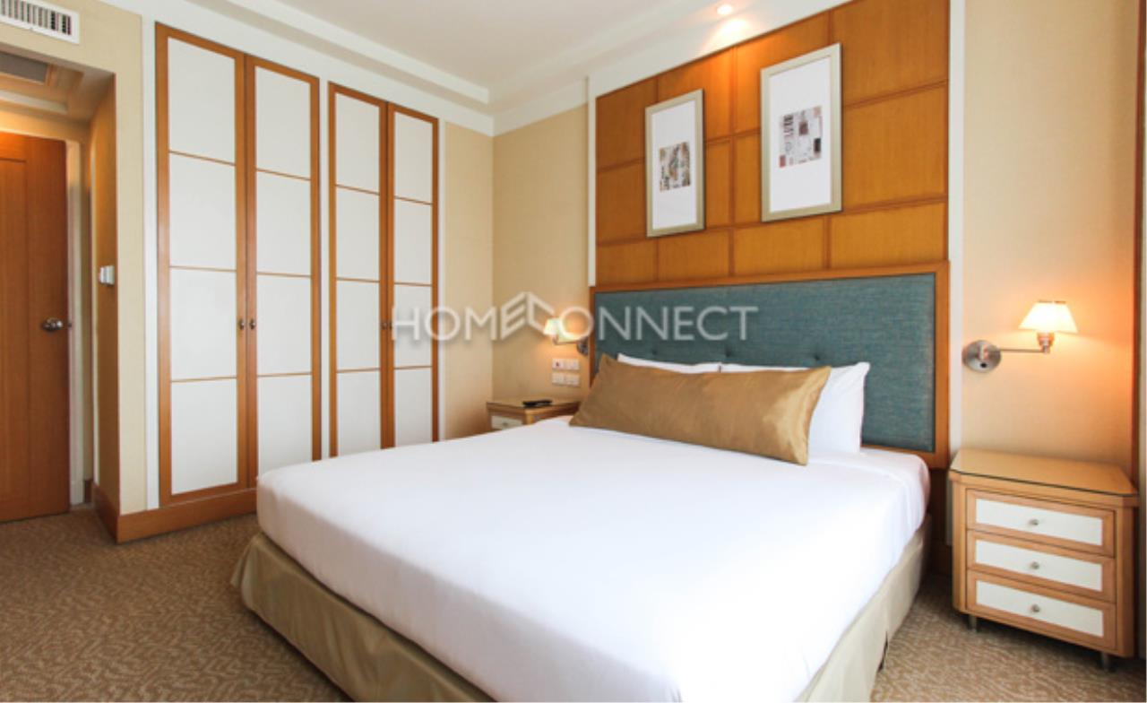 Home Connect Thailand Agency's Jasmine Executive Suites Apartment for Rent 8