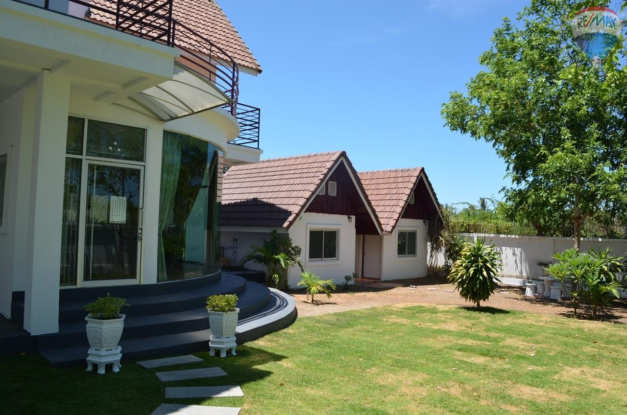 RE/MAX Harmony Agency's  2 story Villa with 2 bangalow 3