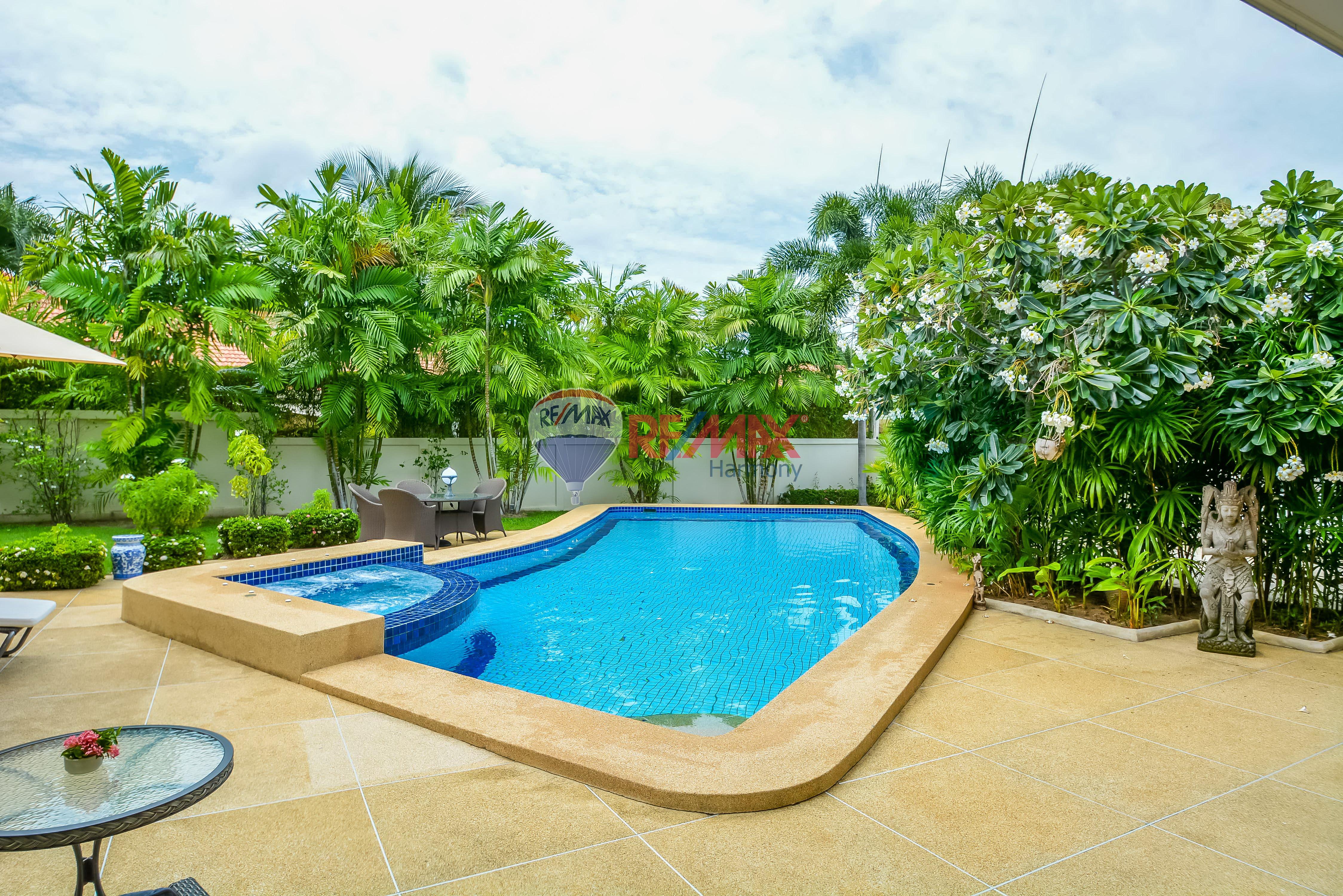 RE/MAX Harmony Agency's Luxury Pool Villa 3