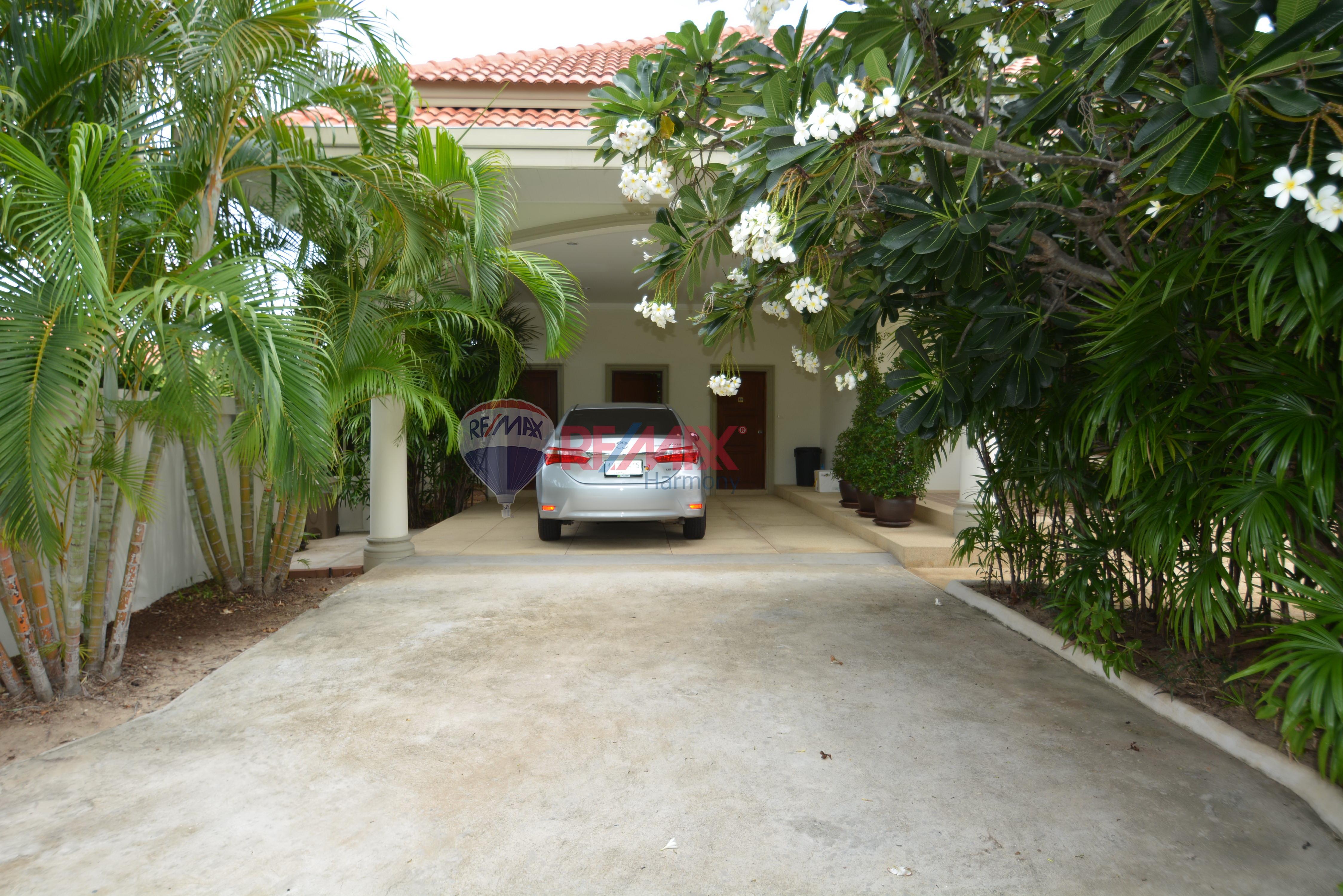 RE/MAX Harmony Agency's Luxury Pool Villa 21