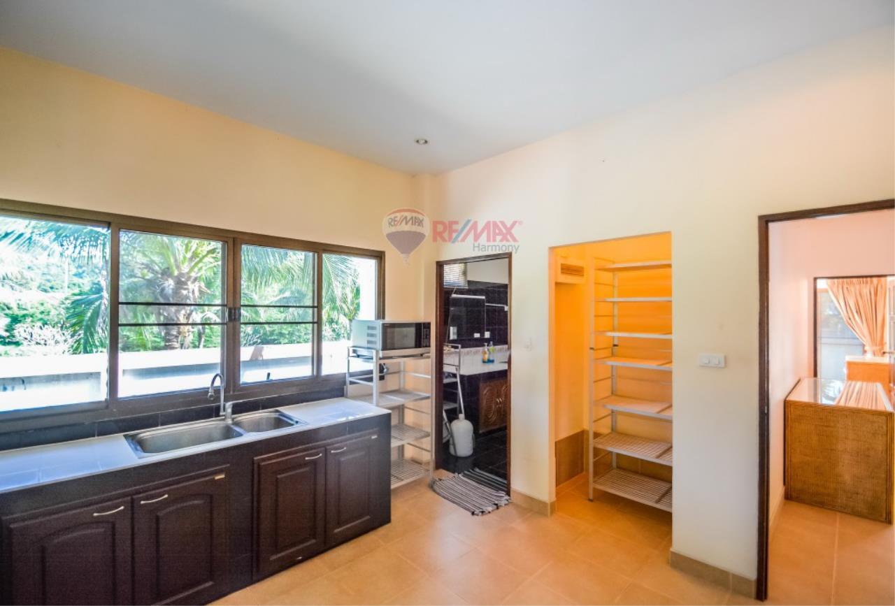 RE/MAX Harmony Agency's Villa For Sale 4