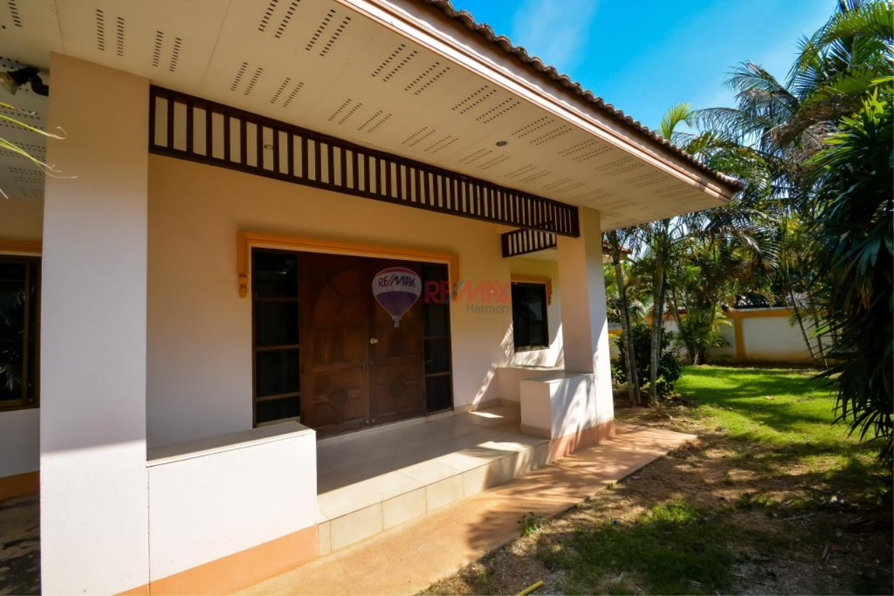 RE/MAX Harmony Agency's Villa For Sale 12
