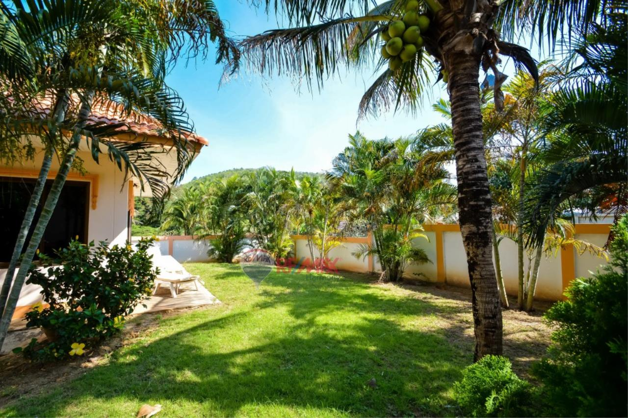 RE/MAX Harmony Agency's Villa For Sale 13