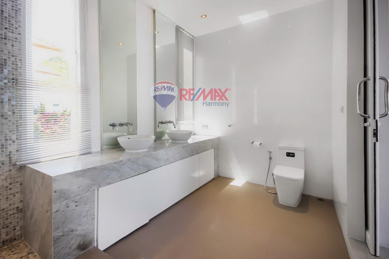 RE/MAX Harmony Agency's For Sale Pool Villa Hua Hin 16