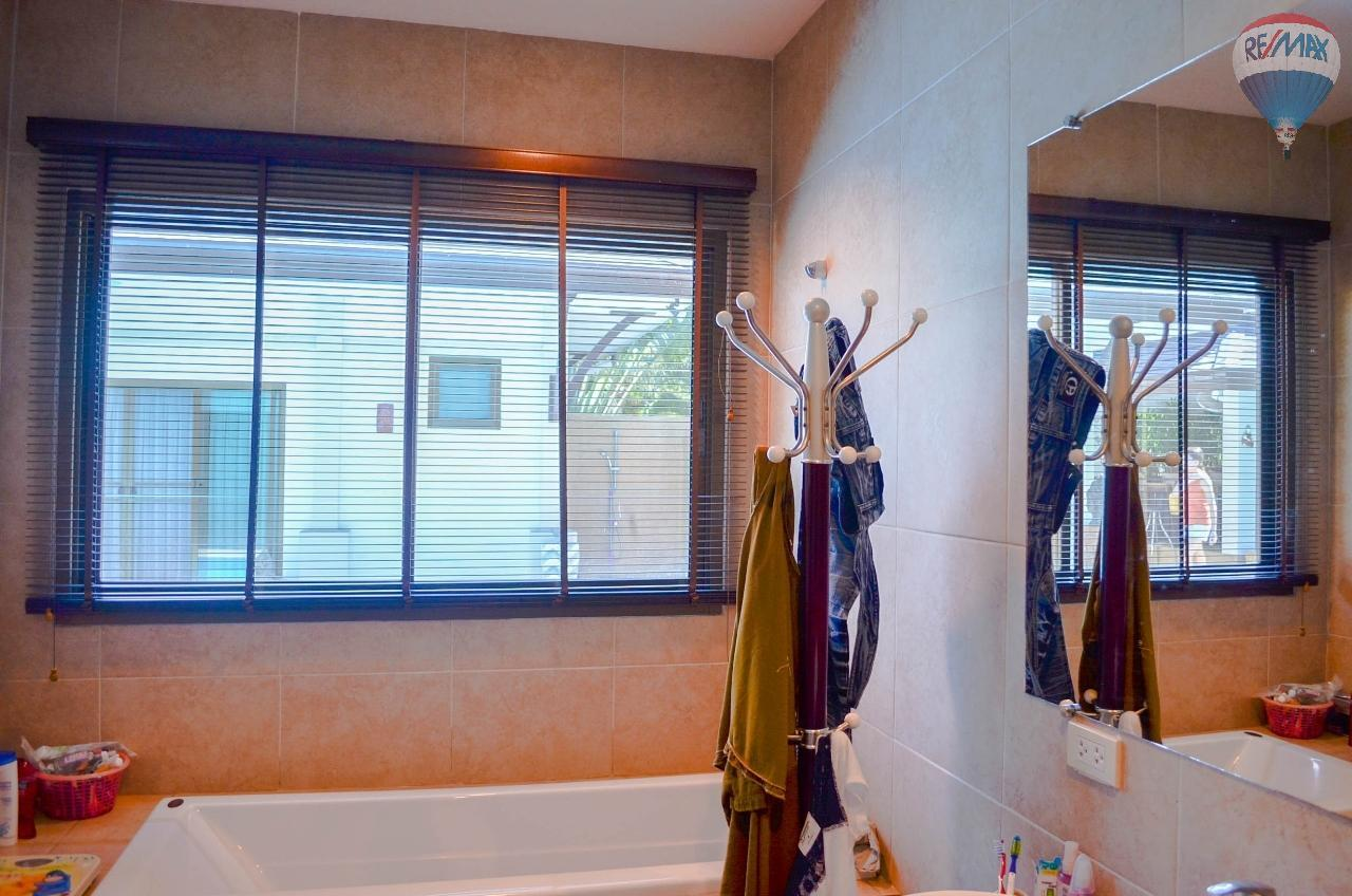 RE/MAX Harmony Agency's  Villa De la Sabai Sabai 24