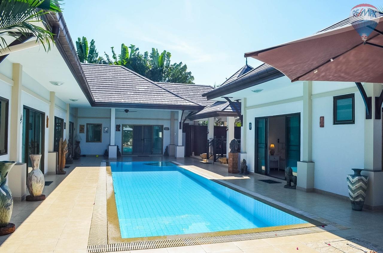RE/MAX Harmony Agency's  Villa De la Sabai Sabai 33