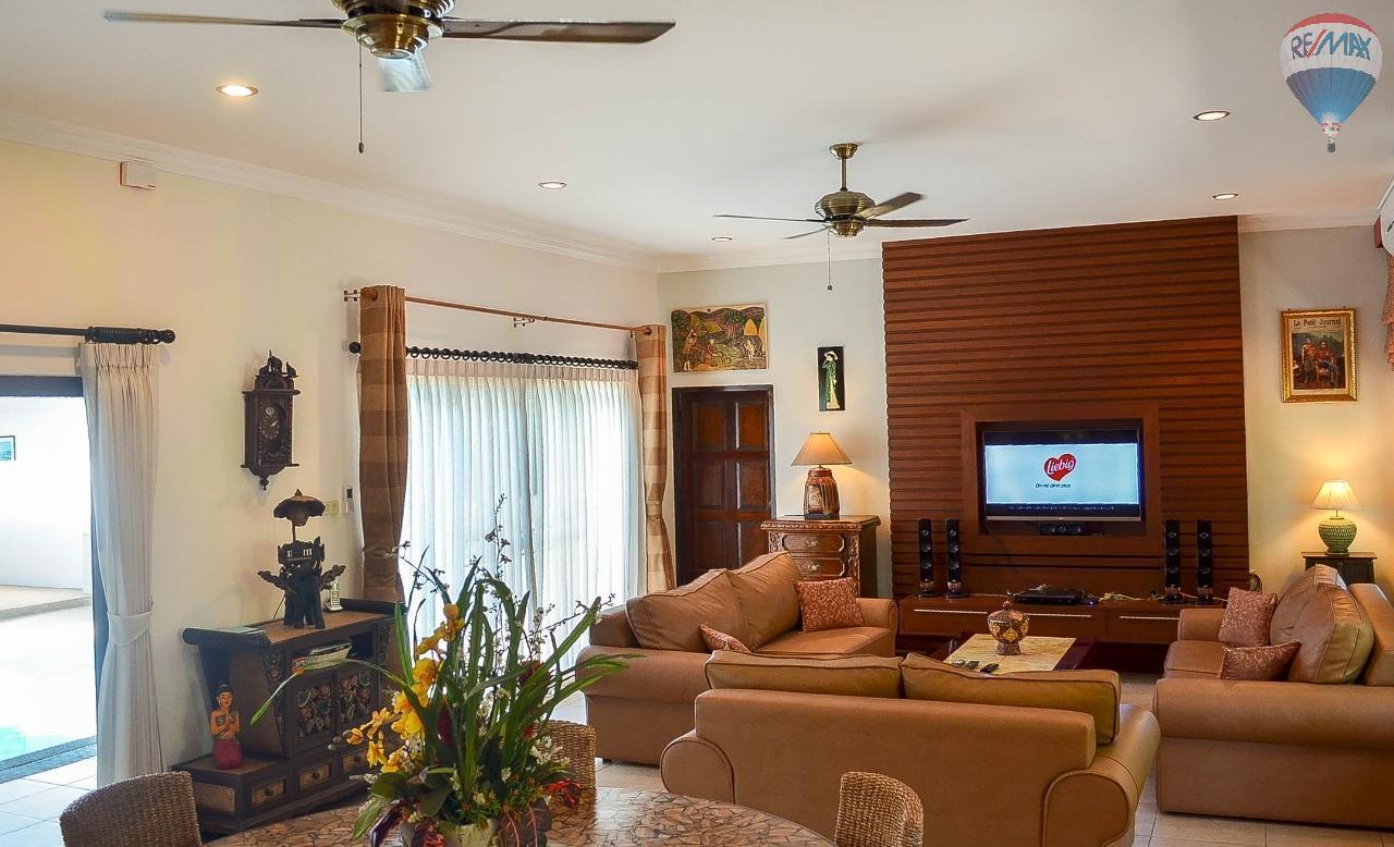RE/MAX Harmony Agency's  Villa De la Sabai Sabai 4