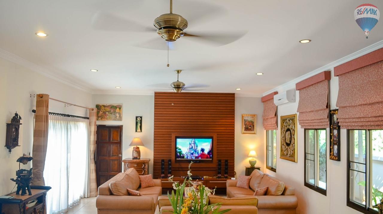RE/MAX Harmony Agency's  Villa De la Sabai Sabai 5